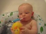 J OneStepAhead inflatable tub + Munckins white hotduck